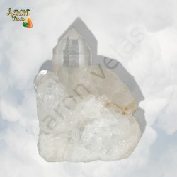 Druse of white quartz